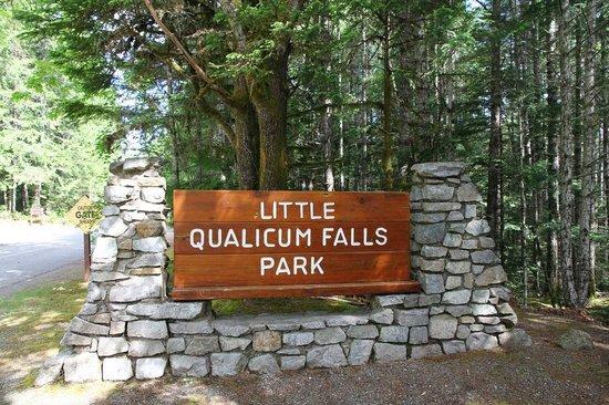 Little Qualicum Falls Provincial Park: Entrance of the park