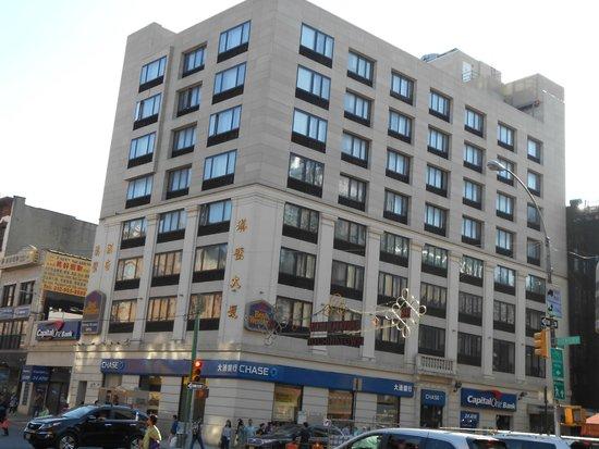 Best Western Bowery Hanbee Hotel: Façade de l'hôtel