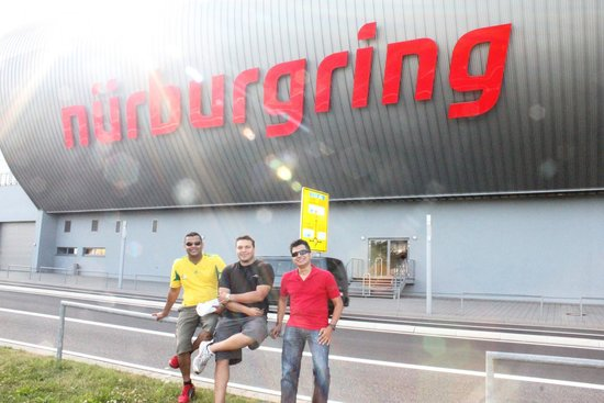 RSRNurburg: The Boys at the main Nurburgring Centre