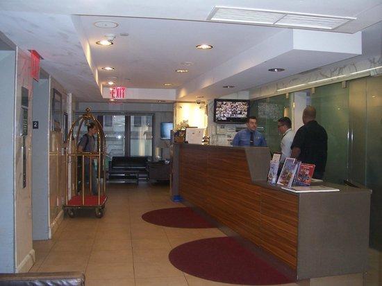 BEST WESTERN Bowery Hanbee Hotel: Réception située au 2ième étage.