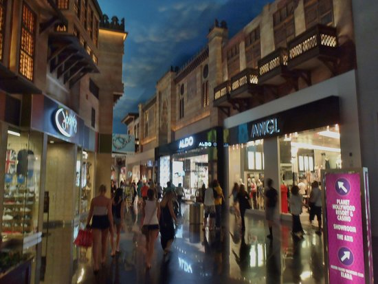 Miracle Mile Shops at Planet Hollywood : Miracle Mile
