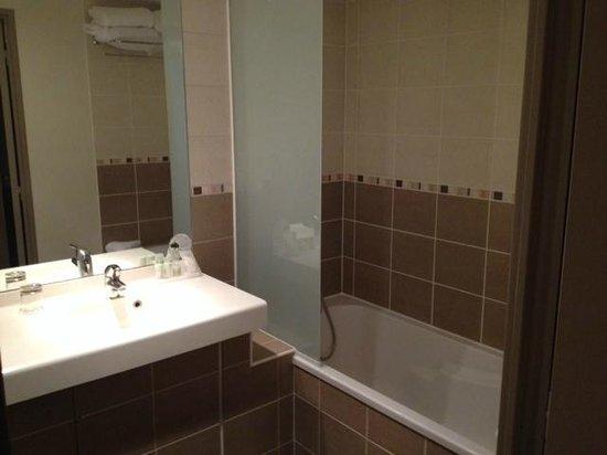 Appart'City Confort Lyon Part-Dieu : Park&Suites Lyon Part-Dieu - Salle de bain rénovée