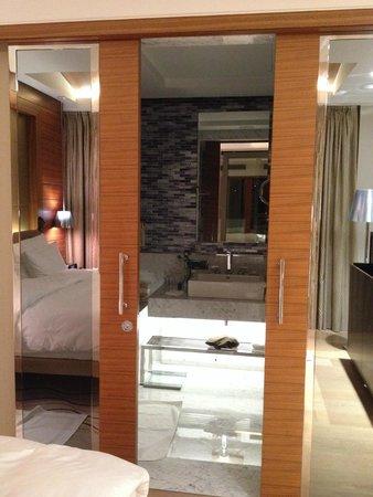 The Grand Tarabya: bathroom