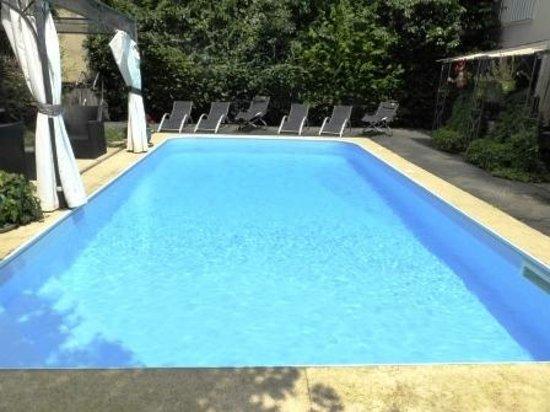 Hotel de France: Swimming pool