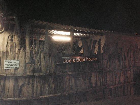 Eingang Joe's Beer House