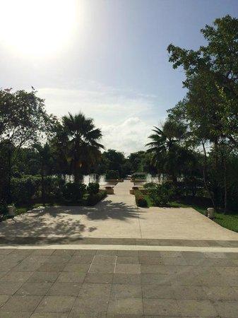Valentin Imperial Riviera Maya: hotel grounds