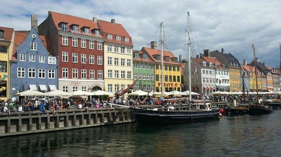 SANDEMANs NEW Europe - Copenhagen : Nyhavn Harbour