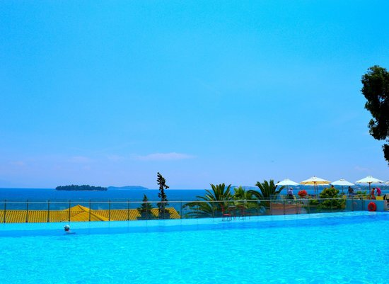 Kontokali Bay Resort and Spa: From the infinity pool looking towards Corfu Town