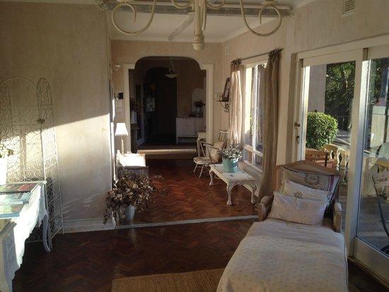 Petite Provence B&B: Reception Area
