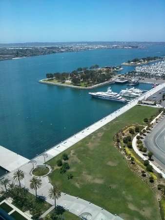 Hilton San Diego Bayfront: View of the bay from my hote room
