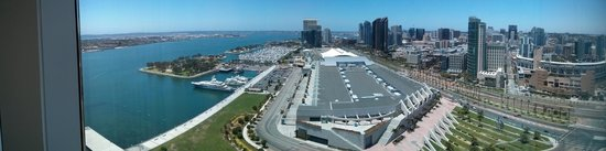 Hilton San Diego Bayfront: Panoramic view of both the city and bay from my hotel room