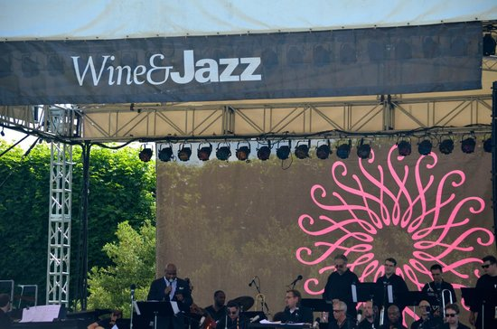 Longwood Gardens: June 2014 WINE & JAZZ Festival