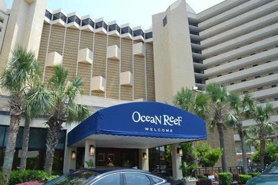 Ocean Reef Resort: Hotel entrance
