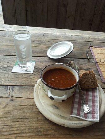 Dorf Alm: Heerlijke goulash soep