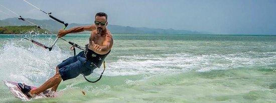 Fun Trips Kiteboarding: Haciendo kite