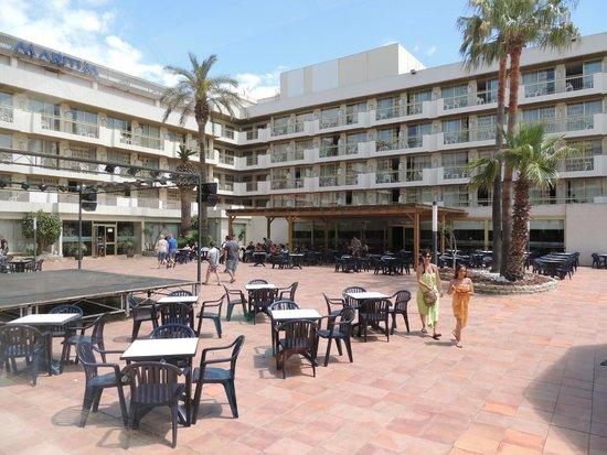 Hotel Best Maritim: Двор отеля
