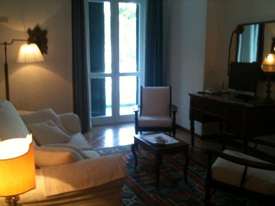 Hotel Poseidon: salon de la suite