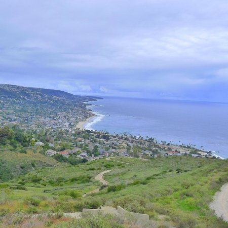 La Casa del Camino: Looking out on the beautiful town of Laguna Beach