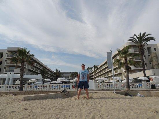 Hotel Best Maritim: Вид на отель со стороны моря