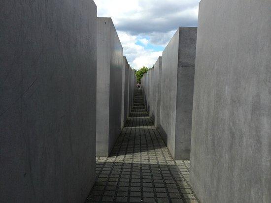 Holocaust-Mahnmal (Denkmal für die ermordeten Juden Europas): Veduta esterna