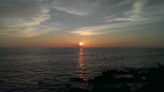 Manukan Island Resort: サンセット・ポイントからの夕日