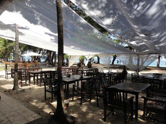 Manukan Island Resort: BBQレストラン