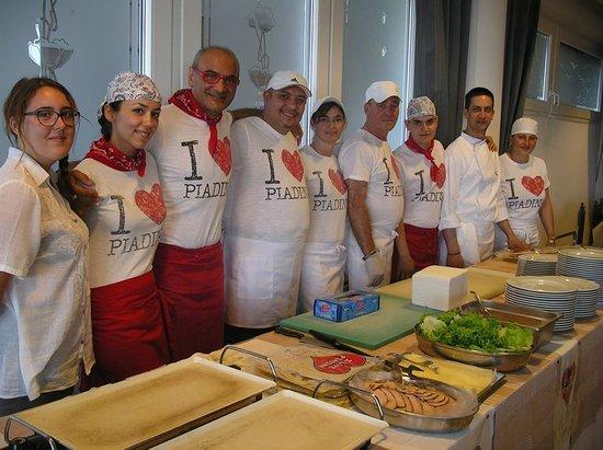 Gabicce Mare, Italien: lo spendido staff