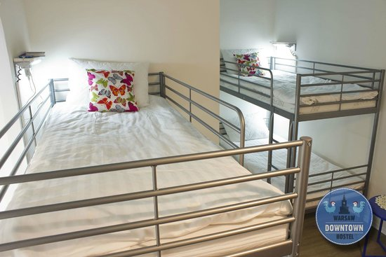 Warsaw Downtown Hostel: 4 bed dorm with bathroom