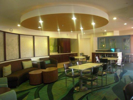 SpringHill Suites Phoenix North : Espace petit déjeuner