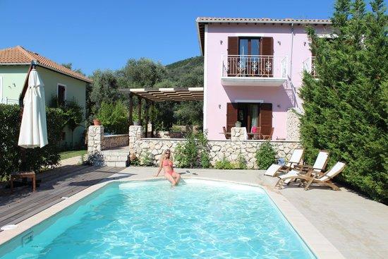 Il Viaggio Verde : Villa with pool
