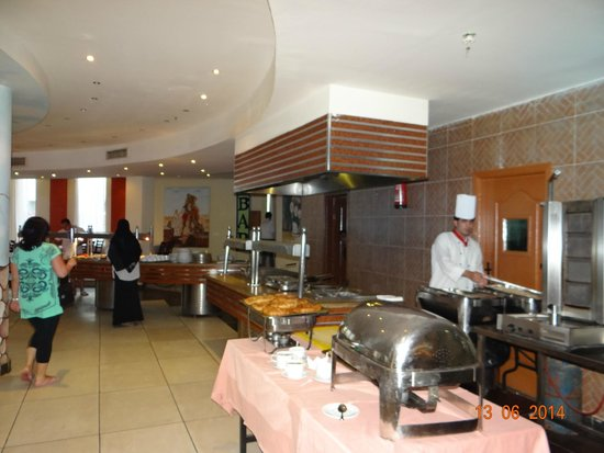 Aqua Hotel Resort & Spa: المطعم
