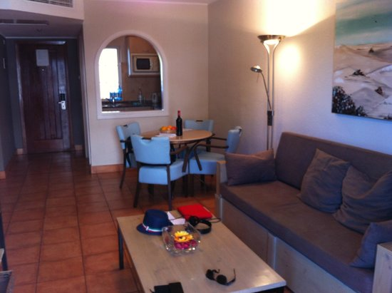 Sol Barbacan Hotel: zona giorno