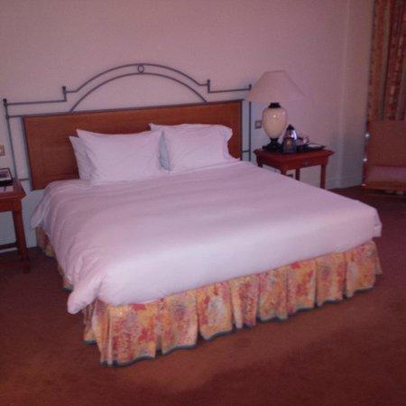 Hilton Cyprus: Bed