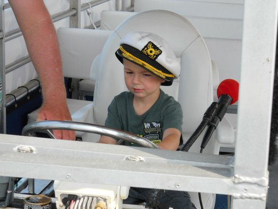 "Paradise Boat Tours: Ben ""drives"" the boat!"