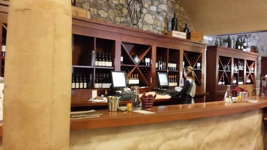Sebastiani Vineyards and Winery: counter