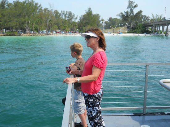 Paradise Boat Tours: Beautiful beach at the southern end of Anna Maria island.