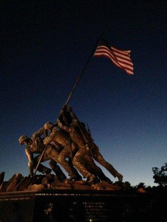 Big Bus Washington DC: USMC Memorial