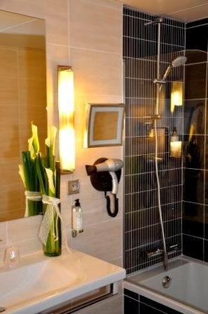 BEST WESTERN PLUS Richelieu : Salle de bain