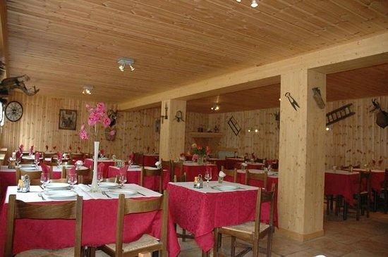 Auberge De Pra-loup : salle a manger