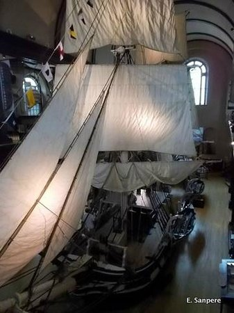 New Bedford Whaling Museum : 1/2 scale whaling ship