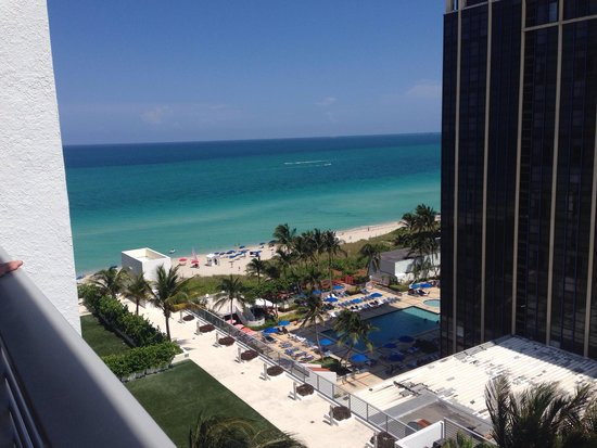 Grand Beach Hotel: View from suite 1208