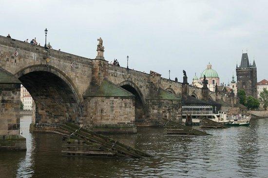 Charles Bridge: Карлов мост (Karlův most)