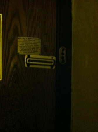 Super 8 Kalamazoo: Lack of Security