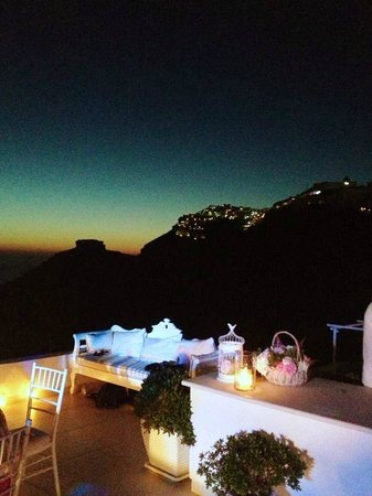 Dana Villas : A magic day - Wedding in Santorini