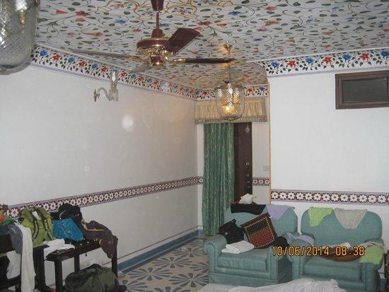 Umaid Bhawan Heritage House Hotel: Hotel Room
