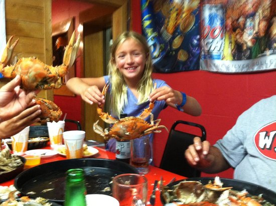 Seafood Palace: Giant blue crabs!!!!
