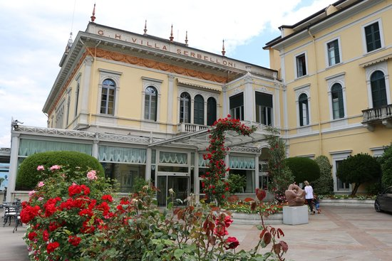 Grand Hotel Villa Serbelloni: The hotel front entrance