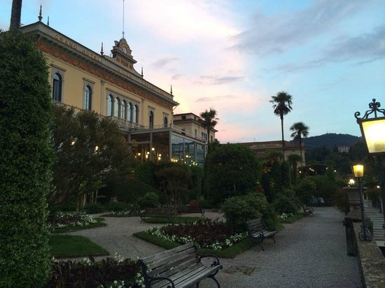 Grand Hotel Villa Serbelloni: Our little path that we would walk along nightly