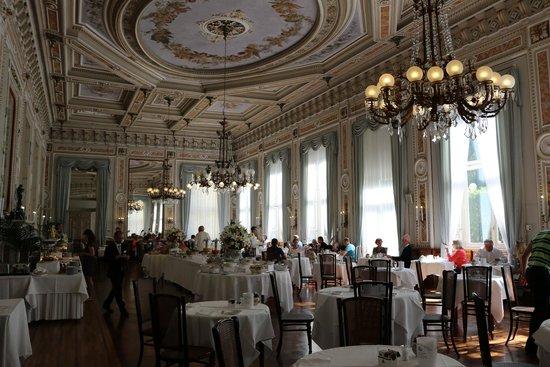 Grand Hotel Villa Serbelloni: The breakfast dining area - molto bella!
