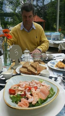 The Bluebell Cafe at Barrowmore: Lovely Fresh Salad